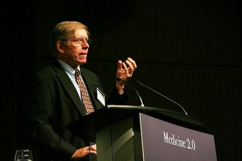 Delivering the opening keynote at Medicine 2.0, Toronto, September 2009